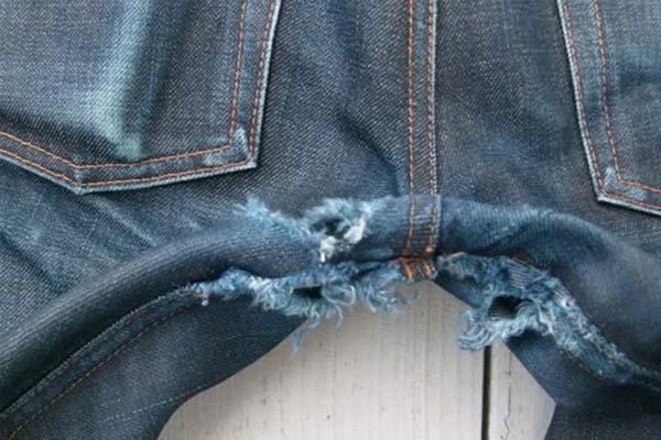 как отремонтировать протертые между ног джинсы